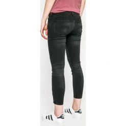 Lee - Jeansy Scarlett Cropped. Czarne jeansy damskie marki Lee, z bawełny. W wyprzedaży za 279,90 zł.