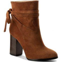 Botki BOSS - Rachel 50376666 10199370 01 Dark Orange 801. Brązowe buty zimowe damskie Boss, ze skóry, na obcasie. W wyprzedaży za 949,00 zł.