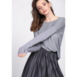 Szary Sweter Daydream. Szare swetry klasyczne damskie Born2be, l, z okrągłym kołnierzem. Za 59,99 zł.