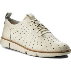 Półbuty CLARKS - Tri Etch 261325294 White Leather. Brązowe creepersy damskie Clarks, z materiału, na płaskiej podeszwie. W wyprzedaży za 319,00 zł.