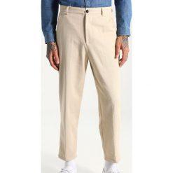 Chinosy męskie: Suit TOBY Spodnie materiałowe off white