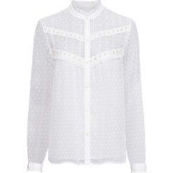 Bluzka z koronką bonprix biały. Białe bluzki koronkowe marki bonprix, eleganckie. Za 59,99 zł.
