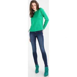 Swetry klasyczne damskie: Compañía fantástica JULY JUMPER Sweter verde