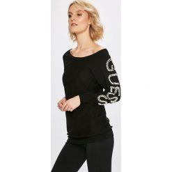 Guess Jeans - Sweter. Szare swetry klasyczne damskie Guess Jeans, s, z dzianiny, z dekoltem w łódkę. Za 399,90 zł.