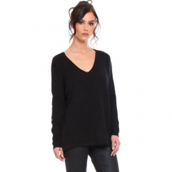 """Sweter """"Talia"""" w kolorze czarnym. Czarne swetry klasyczne damskie marki Cosy Winter, s, ze splotem. W wyprzedaży za 181,95 zł."""
