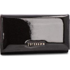 Duży Portfel Damski PETERSON - 466-14-01-07 Black. Czarne portfele damskie Peterson, z lakierowanej skóry. W wyprzedaży za 129,00 zł.
