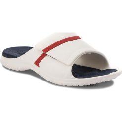 Klapki CROCS - Modi Sport Slide 204144 White/Navy/Pepper. Białe klapki męskie marki Crocs, z tworzywa sztucznego. Za 149,00 zł.