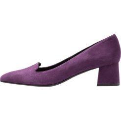 Paco Gil ADELE Czółenka violet. Fioletowe buty ślubne damskie Paco Gil, z materiału. Za 669,00 zł.