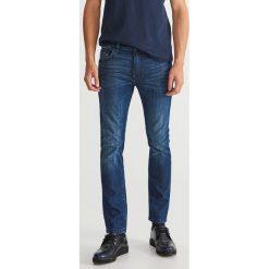 Jeansy slim fit - Niebieski. Niebieskie jeansy męskie regular Reserved. Za 149,99 zł.