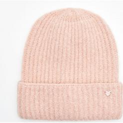 Ciepła czapka - Różowy. Czerwone czapki damskie marki Cropp. Za 34,99 zł.