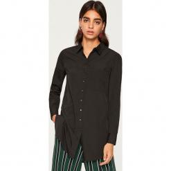 Długa koszula - Czarny. Czarne koszule damskie marki Reserved, z długim rękawem. W wyprzedaży za 34,99 zł.