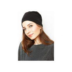 Czapka czarna/ organiczna bawełna. Czarne czapki zimowe damskie Siss, z bawełny. Za 65,00 zł.