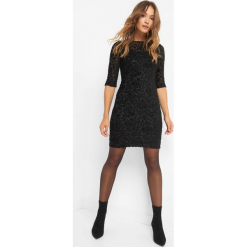 Sukienka z aksamitnym wzorem. Czarne sukienki dzianinowe marki Orsay, xs, z dekoltem na plecach. Za 119,99 zł.