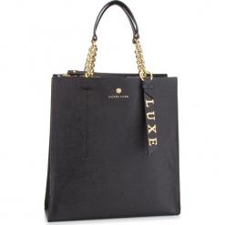 Torebka GUESS - HWBLCA L9104  BLA. Czarne torebki klasyczne damskie marki Guess, z aplikacjami, ze skóry. Za 999,00 zł.