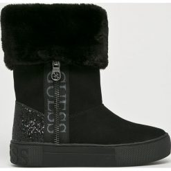 Guess Jeans - Śniegowce. Czarne śniegowce damskie Guess Jeans, z gumy. Za 649,90 zł.