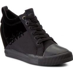 Sneakersy CALVIN KLEIN JEANS - Rory R0647 Black/Black. Czarne sneakersy damskie Calvin Klein Jeans, z gumy. W wyprzedaży za 319,00 zł.