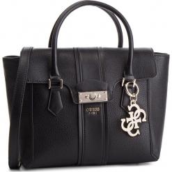 Torebka GUESS - HWVG71 71060 BLA. Czarne torebki klasyczne damskie Guess, z aplikacjami, ze skóry ekologicznej. Za 649,00 zł.