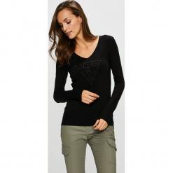 Guess Jeans - Sweter. Niebieskie swetry klasyczne damskie marki Guess Jeans, z obniżonym stanem. Za 319,90 zł.
