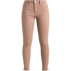 Rurki damskie: Missguided UP LEG Jeans Skinny Fit nude