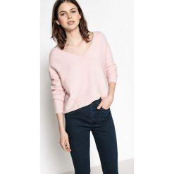 Swetry damskie: Sweter z dekoltem V, gruba dzianina