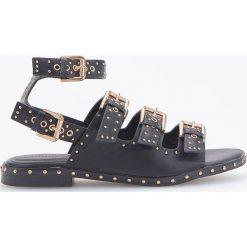 Sandały z ćwiekami - Czarny. Czarne sandały damskie marki Reserved. Za 139,99 zł.