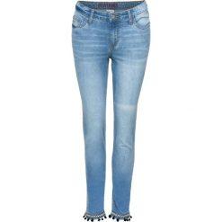 """Dżinsy z pomponikami bonprix niebieski """"bleached"""". Niebieskie jeansy damskie bonprix. Za 54,99 zł."""