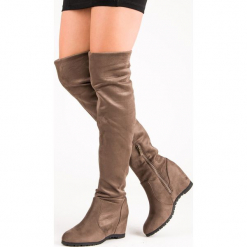 WYSOKIE KOZAKI NA KOTURNIE. Szare buty zimowe damskie SUPER ME, na wysokim obcasie, na koturnie. Za 89,00 zł.