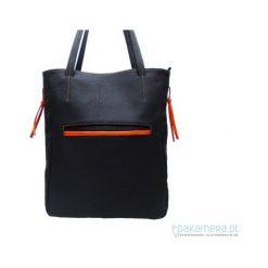 Torebka ze skóry naturalnej- czarna. Czarne torebki klasyczne damskie Pakamera, ze skóry. Za 182,00 zł.
