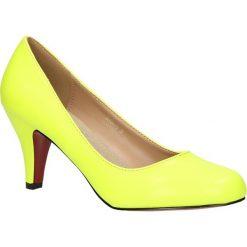 CZÓŁENKA CASU 3243A-13. Żółte buty ślubne damskie Casu, na koturnie. Za 39,99 zł.