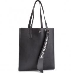 Torebka CALVIN KLEIN JEANS - Logo Banner Medium Shopper K40K400848 001. Czarne shopper bag damskie Calvin Klein Jeans, z jeansu, na ramię. Za 599,00 zł.