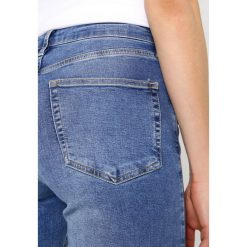 Topshop JAMIE NEW Jeans Skinny Fit blue. Niebieskie rurki damskie Topshop. Za 229,00 zł.