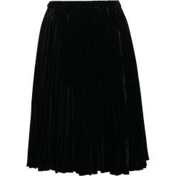 DRYKORN PEPPY Spódnica trapezowa black. Czarne spódniczki trapezowe DRYKORN, z materiału. W wyprzedaży za 434,85 zł.