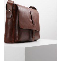 JOOP! Torba na ramię darkbrown. Brązowe torby na ramię męskie marki Kazar, ze skóry, przez ramię, małe. Za 839,00 zł.