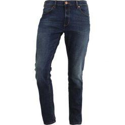 Wrangler LARSTON Jeansy Slim Fit sin bin. Szare jeansy męskie relaxed fit marki Wrangler, l, z poliesteru, z kapturem. Za 399,00 zł.