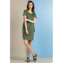Sukienki: Sukienka z szarfą