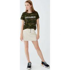 Koszulka z krótkim rękawem i logo. Brązowe t-shirty damskie Pull&Bear. Za 29,90 zł.