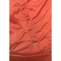 Scotch R'Belle Kurtka zimowa gaucho rouge. Czerwone kurtki chłopięce zimowe marki Reserved, z kapturem. W wyprzedaży za 351,20 zł.