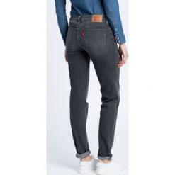 Levi's - Jeansy. Brązowe jeansy damskie marki Levi's®, z bawełny. W wyprzedaży za 219,90 zł.