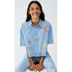 Koszula Sesame Street. Niebieskie koszule damskie marki Pull&Bear. Za 109,00 zł.