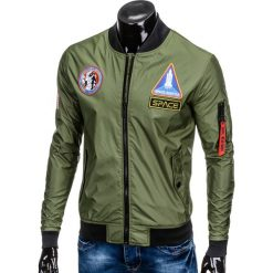 KURTKA MĘSKA PRZEJŚCIOWA BOMBERKA C351 - OLIWKOWA. Zielone kurtki męskie bomber marki Ombre Clothing, m, w kolorowe wzory, z poliesteru, eleganckie. Za 79,00 zł.