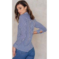 Rut&Circle Koszula w paski Ingrid - Blue,Multicolor. Niebieskie koszule damskie Rut&Circle, w paski, z wiskozy, klasyczne, z klasycznym kołnierzykiem. W wyprzedaży za 88,17 zł.