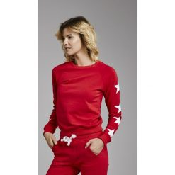Cardio Bunny - Bluza Jenny. Czerwone bluzy sportowe damskie marki Cardio Bunny, m, z nadrukiem, z bawełny, bez kaptura. W wyprzedaży za 99,90 zł.