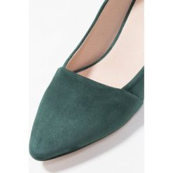 Shoe The Bear ALLISON Czółenka green. Czarne czółenka marki L'INTERVALLE, z materiału. Za 509,00 zł.