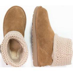 UGG DARRAH Botki chestnut. Brązowe buty zimowe damskie Ugg, z materiału. Za 589,00 zł.