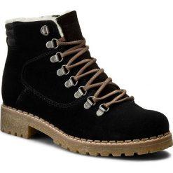Trapery WOJAS - 5663-61-36 Czarny. Czarne buty zimowe damskie marki Wojas, z materiału, z okrągłym noskiem. W wyprzedaży za 259,00 zł.