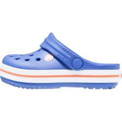 Crocs CROCBAND  Sandały kąpielowe cerulean blue. Niebieskie sandały chłopięce marki Crocs, z gumy. Za 139,00 zł.