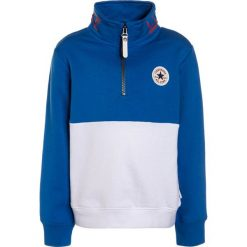 Converse ZIP STAND COLLAR PULL OVER Bluza white. Niebieskie bluzy dziewczęce marki Retour Jeans, z bawełny. W wyprzedaży za 132,30 zł.