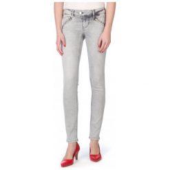 Mustang Jeansy Damskie Gina 31/32 Szary. Niebieskie jeansy damskie marki Mustang, z aplikacjami, z bawełny. W wyprzedaży za 225,00 zł.