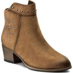Botki MARCO TOZZI - 2-25300-39 Muscat Antic 340. Brązowe buty zimowe damskie marki Marco Tozzi, z materiału, na obcasie. W wyprzedaży za 209,00 zł.