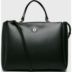 Tommy Hilfiger - Torebka. Czarne torebki klasyczne damskie TOMMY HILFIGER, w paski, z materiału, duże. Za 799,90 zł.